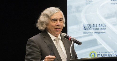 Secretary Moniz unveils Road Map during the Energy 2030 Summit. (Foto credit: Alliance to Save Energy)